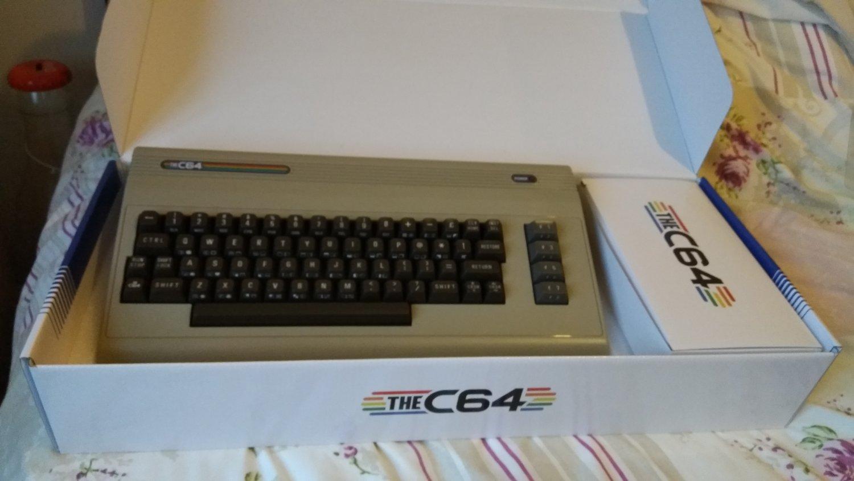 Nieuwe retro computer C64 beschikbaar